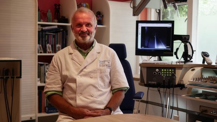 verstopt oor vliegen KNO-arts Hubert Spoelstra Den Haag