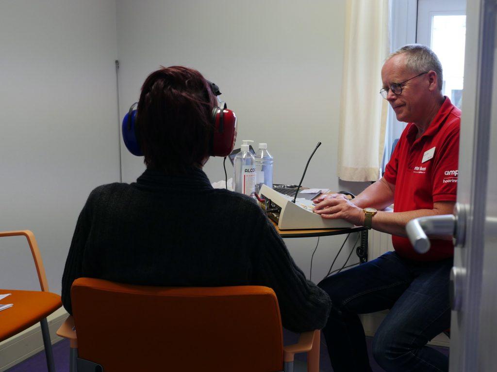 onderzoek naar relatie gehoorverlies en eenzaamheid