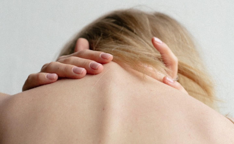 bewegen nek hoofd ogen tinnitus aanraken