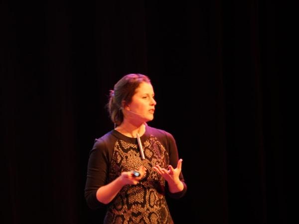dr Jill Lobbestoel