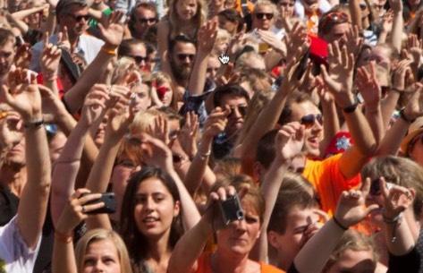 kans op gehoorschade festival hoofdtelefoon